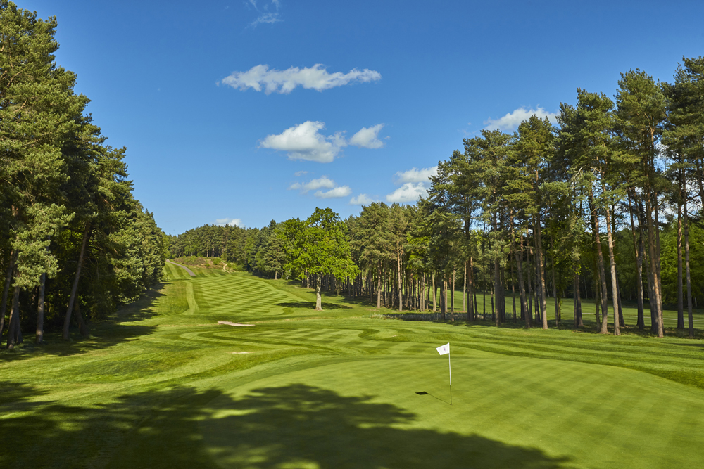 Foxhills Longcross course 14th
